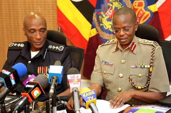 Kayihura and Boinnet release a joint communique in Nairobi after their visit to Migingo. KENYA POLICE PHOTOS